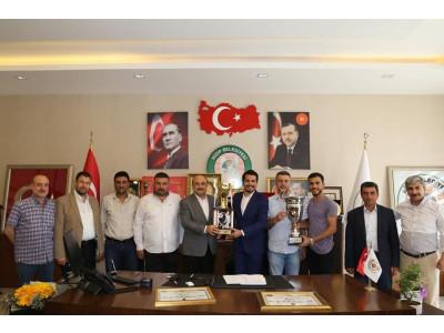 Nizip Belediye Spor Yöneticilerinin ve Sporcu Kardeşlerimin Başarılarının Devamını Dilerim.